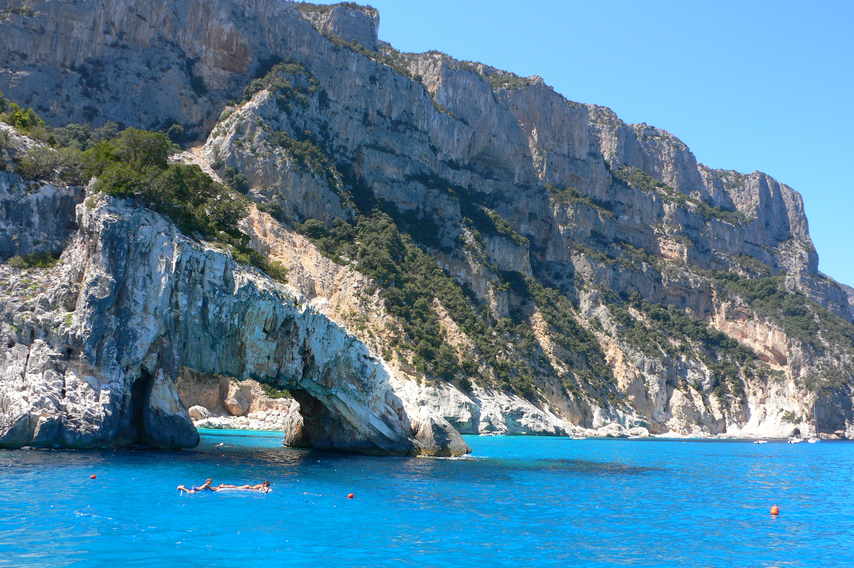 image with the rocks of cala goloritzé in sardinia from a guide to cala gonone tour boat