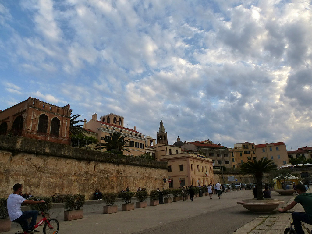 picture of the old city of Alghero Italy sardinia in an articole about travel tips