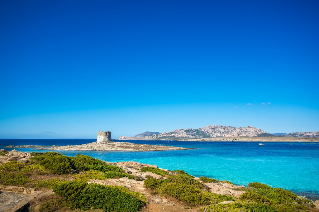 Main airports of Sardinia and nearest beach hotels