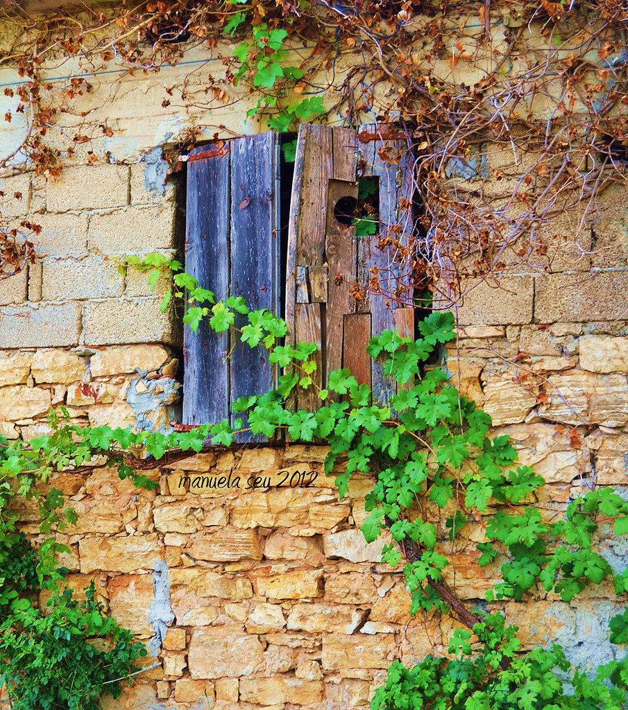 immagine di una casa antica di Sadali in Sardegna