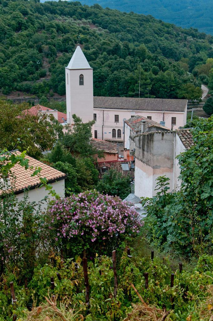 la chiesa di san valentino di Sadali in Sardegna