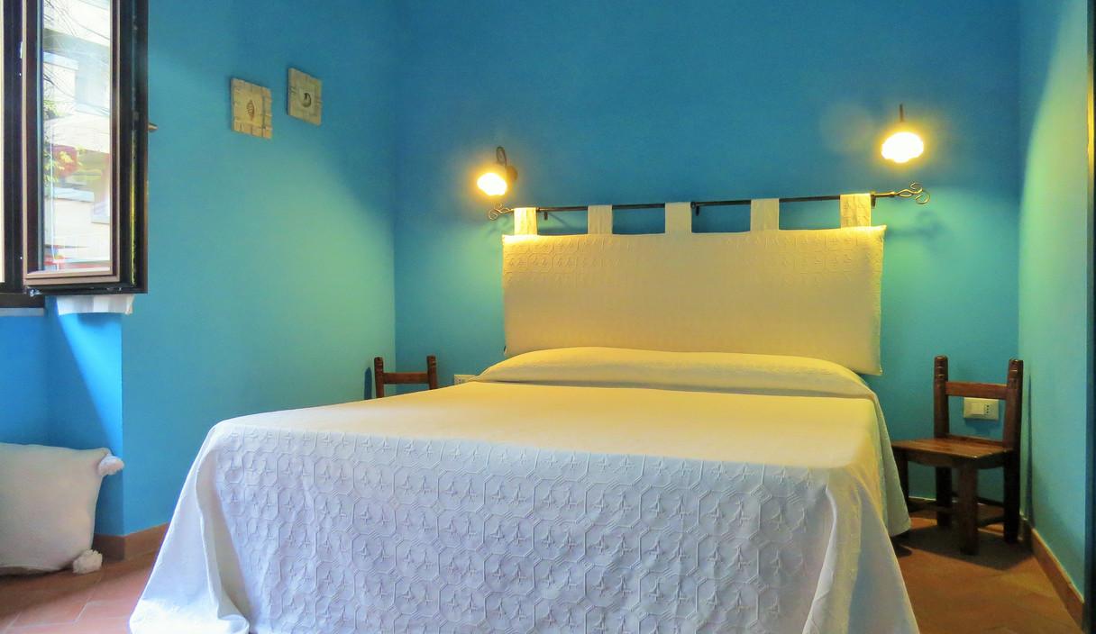beautiful bedrooms in alghero