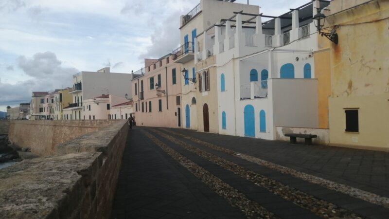Alghero, immagini in Autunno dai bastioni al borgo
