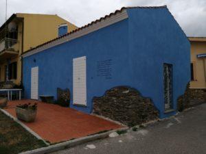 casa con murales e poesia a Santa Lucia di Siniscola
