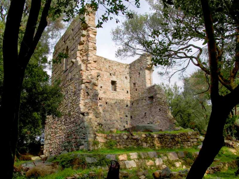 Il castello di Baldu a Luogosanto: memorie dell'antica villa di Sent Steva